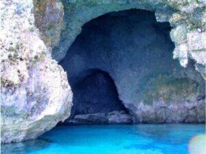 伊良部島 青の洞窟